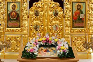Икона Божьей Матери «Знамение»: в чем помогает, значение