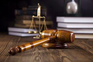 Как молиться о помощи в судебных делах Николаю Чудотворцу