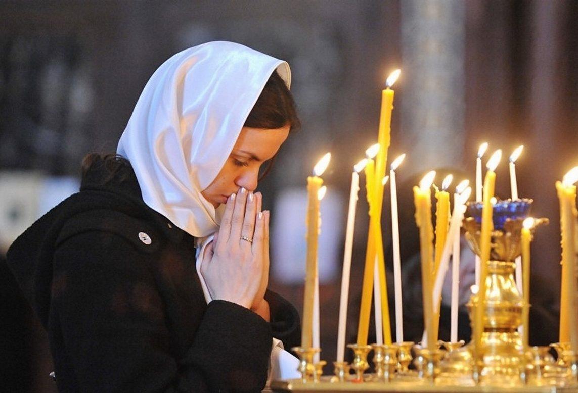 Утренние молитвы на церковнославянском: читать и слушать (видео)