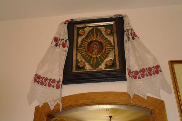 """Икона Божией Матери """"Иверская"""": значение, в чем помогает"""