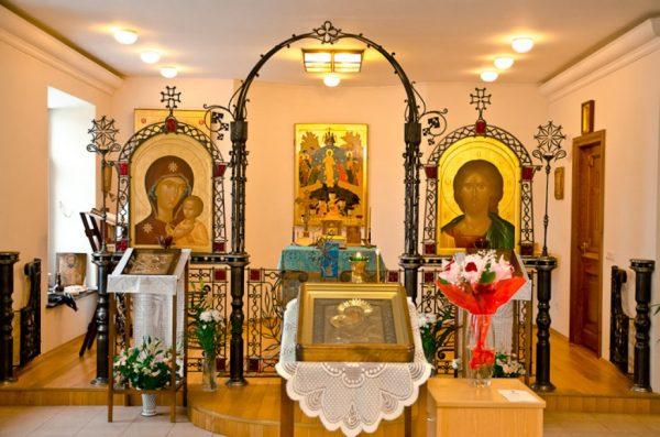"""Икона Божией Матери """"Утоли моя печали"""": значение, в чем помогает"""