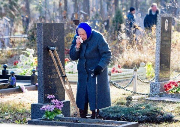Можно ли посещать могилу усопшего в его день рождения