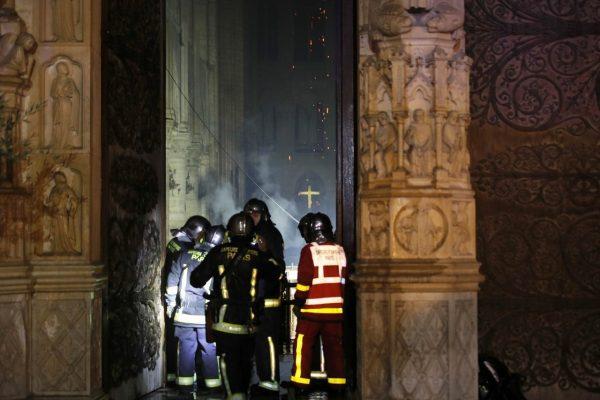 Подробности пожара в Соборе Парижской Богоматери