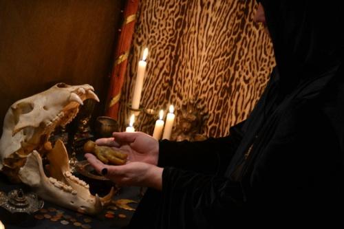 Сильная молитва на разрыв мужа с любовницей