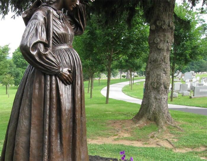 Можно ли беременным женщинам ходить на кладбище