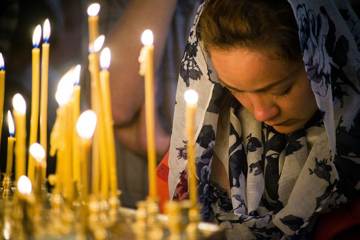 Молитвы на любовь парня к девушке: сильные, как молиться