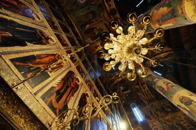 Кто занимался строительством Успенского собора Московского Кремля
