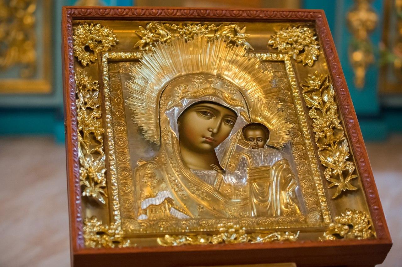 Что означает сон с иконой Божьей Матери с младенцем на руках