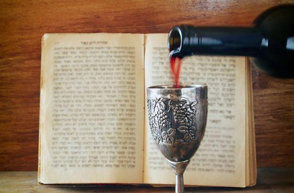 В какие дни можно пить вино в Великий пост 2021